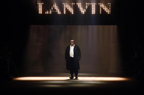 Alber Elbaz taking his final bow at Lanvin