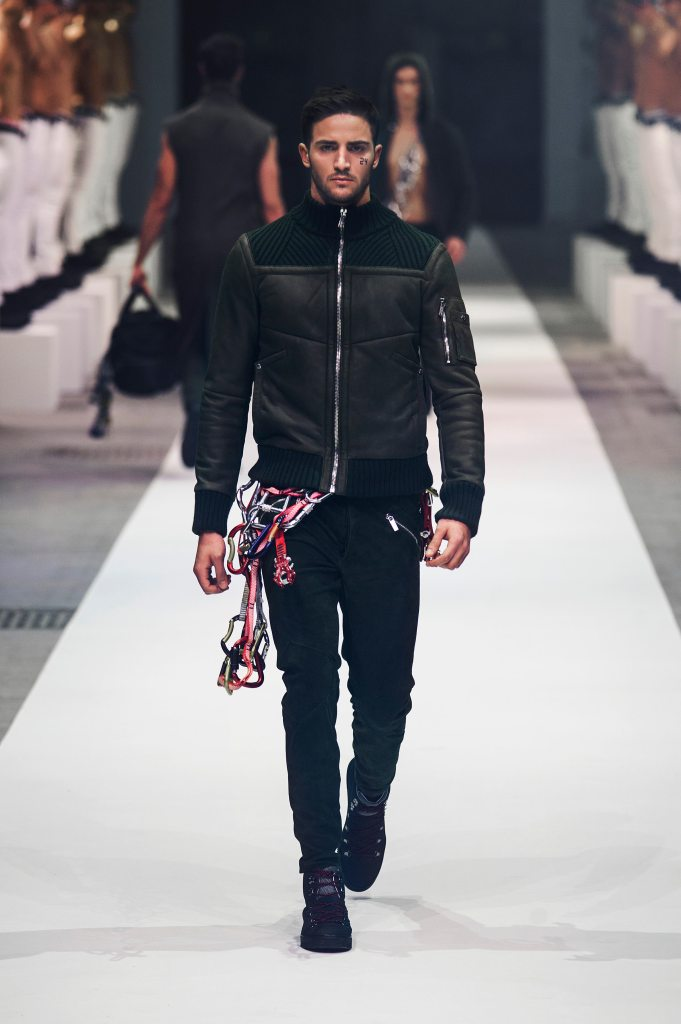 DIRK BIKKEMBERGS Fall/Winter 2015-2016