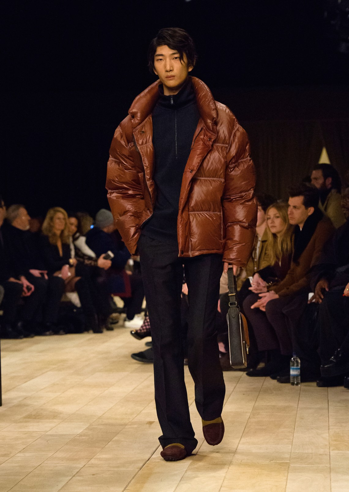 BURBERRY - Fall Winter 2016/17