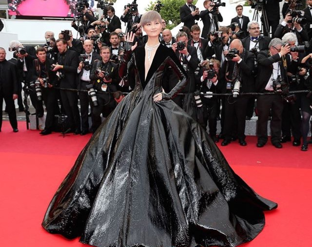 CHRIS LEE IN JULIEN FOURNIE COUTURE