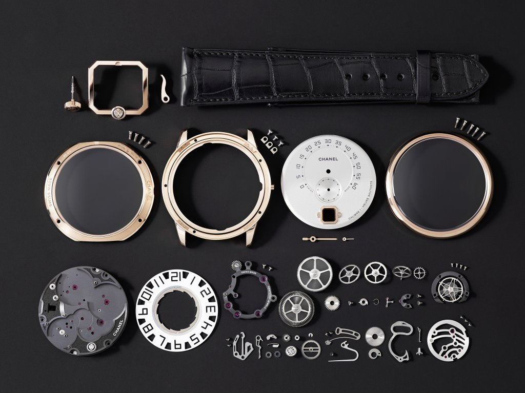 """CHANEL INTRODUCES ITS NEW """"LE MONSIEUR"""" WATCH"""