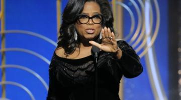 Oprah Winfrey shines in Atelier Versace