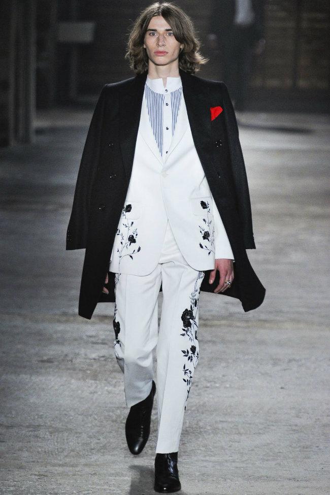 alexandermcqueen5 Alexander McQueen Spring 2012 | Milan Fashion Week