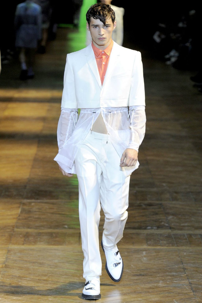 muglerrunway3 Mugler Spring 2012 | Paris Fashion Week