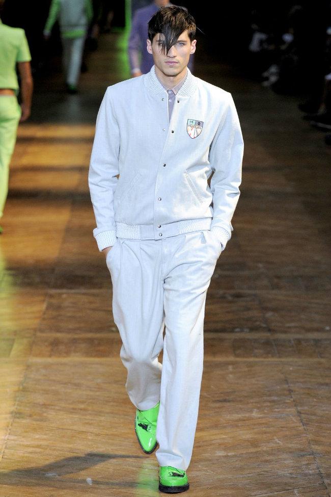muglerrunway8 Mugler Spring 2012 | Paris Fashion Week