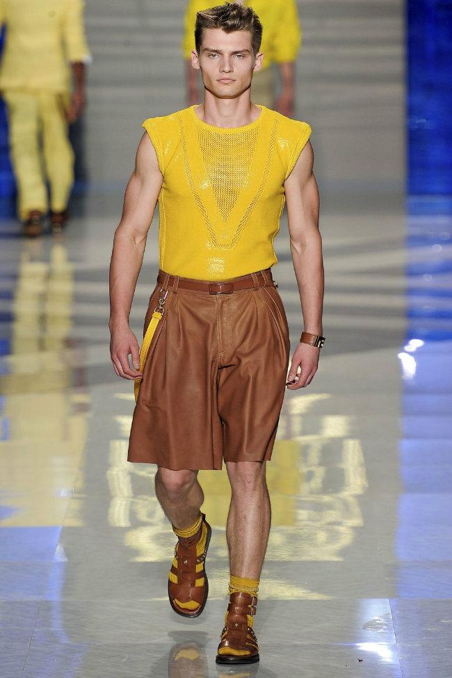 versace29 Versace Spring 2012   Milan Fashion Week