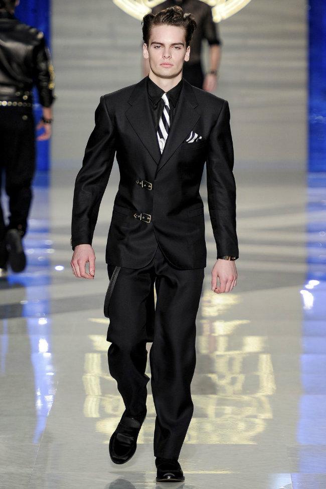 versace3 Versace Spring 2012   Milan Fashion Week