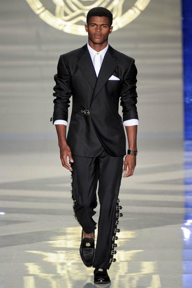versace5 Versace Spring 2012 | Milan Fashion Week