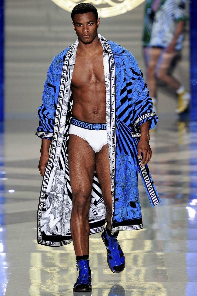 versace8 Versace Spring 2012 | Milan Fashion Week