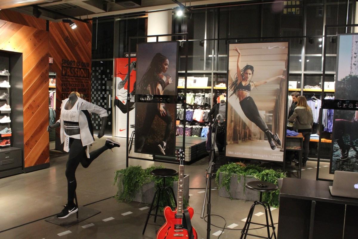 Lisa Migliorini Nike The Fashion Jogger