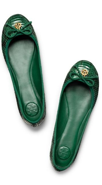 The perfect slip-on-and-go shoe for effortless chic, Tory Burch Chelsea Ballet Flat is a close cousin of the genuine ballerina slipper