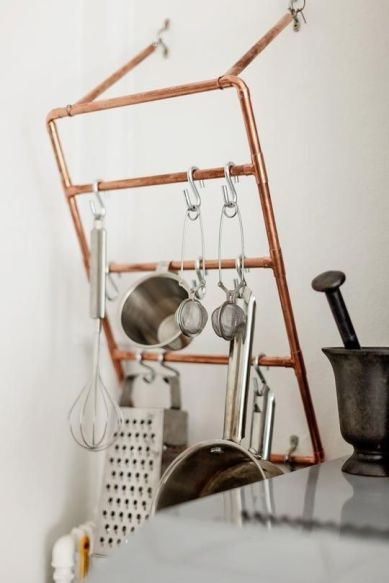 copper piping hanger