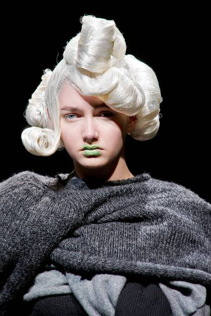 Halloween Makeup Inspiration From Runway | Comme des garçons fw2014