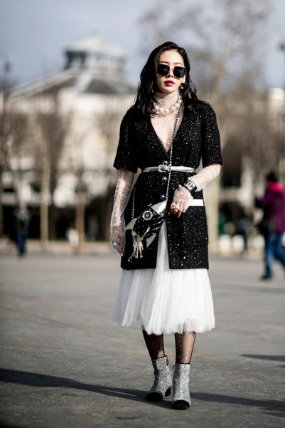 10-paris-fall-2018-sparkly-black-long-cardigan-white-lace-turtleneck-tulle-skirt-embellished-boots