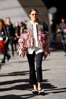 During-Paris-shows-Olivia-turned-sidewalk-runway