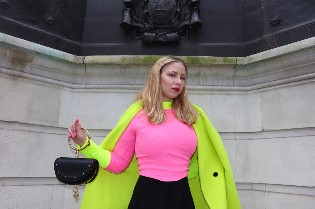 Neon outfit woman london fashion week zara coat jumper Chloe nile Minaudière bag