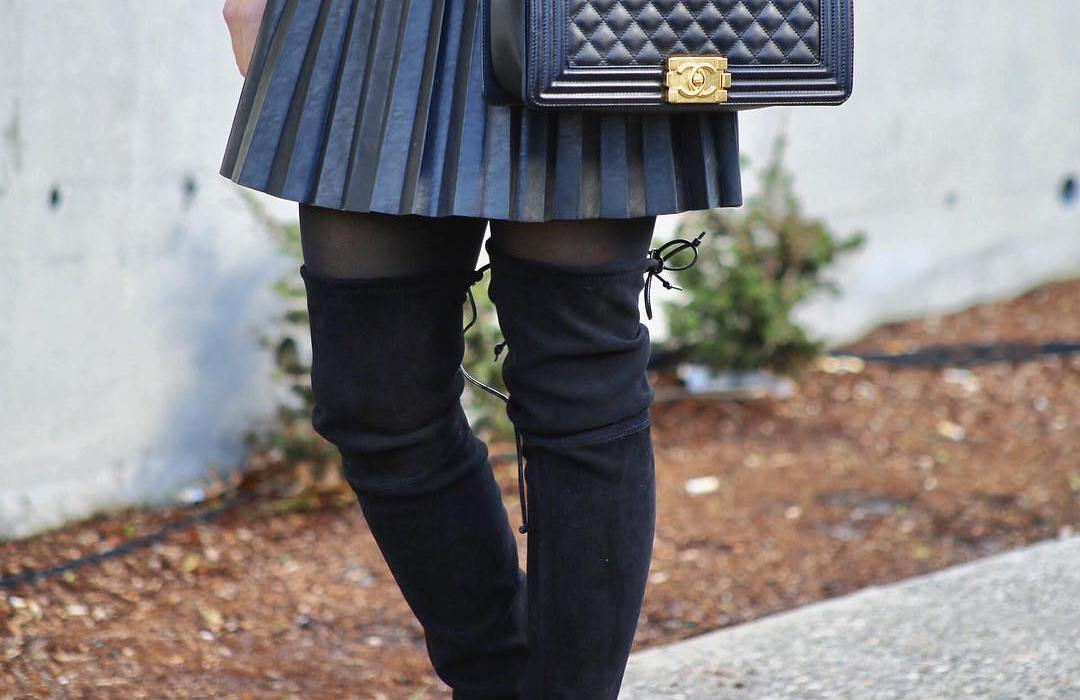 Amanda Magani, Fashion bloggers to follow, Seattle fashion bloggers, Fashion to follow, Stuart Weitzman boots, Chanel boy bag, j crew skirt, leather skirt, cute outfit ideas