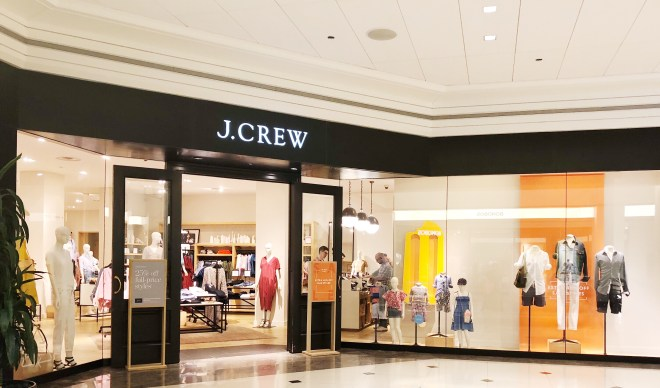 UNIVERSAL STANDARD FOR J.CREW, #SETYOURSTANDARD, J. CREW CHICAGO STORE, CHICAGO PLUS SIZE STORES, J. CREW STORE FRONT