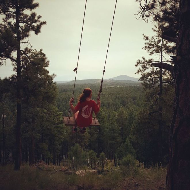 Beauty...Big Red swinging to her heart's desire.