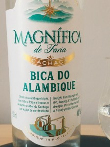 Magnifica de Faria Bica do Alambique Cachaca Rum Review by the fat rum pirate