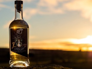 J. Gow Fading Light Rum review by the fat rum pirate