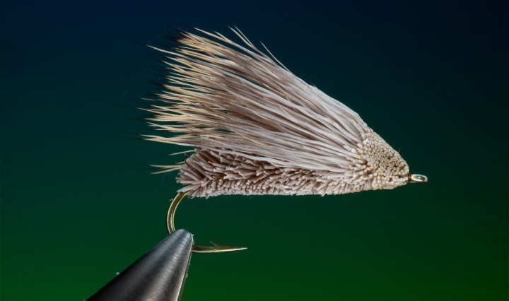 Techniques for tying with deer hair