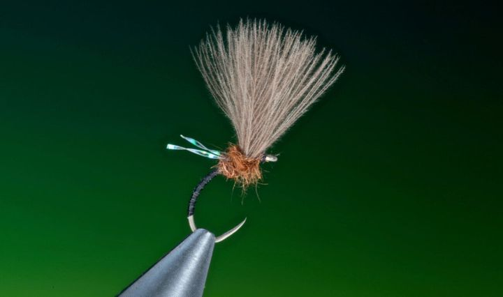 fly tying Midge emerger by Barry Ord Clarke