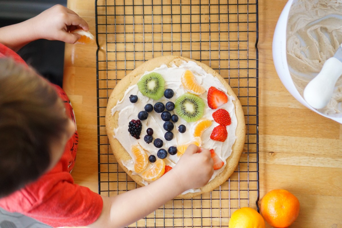 Kid's DIY Fruit Pizza