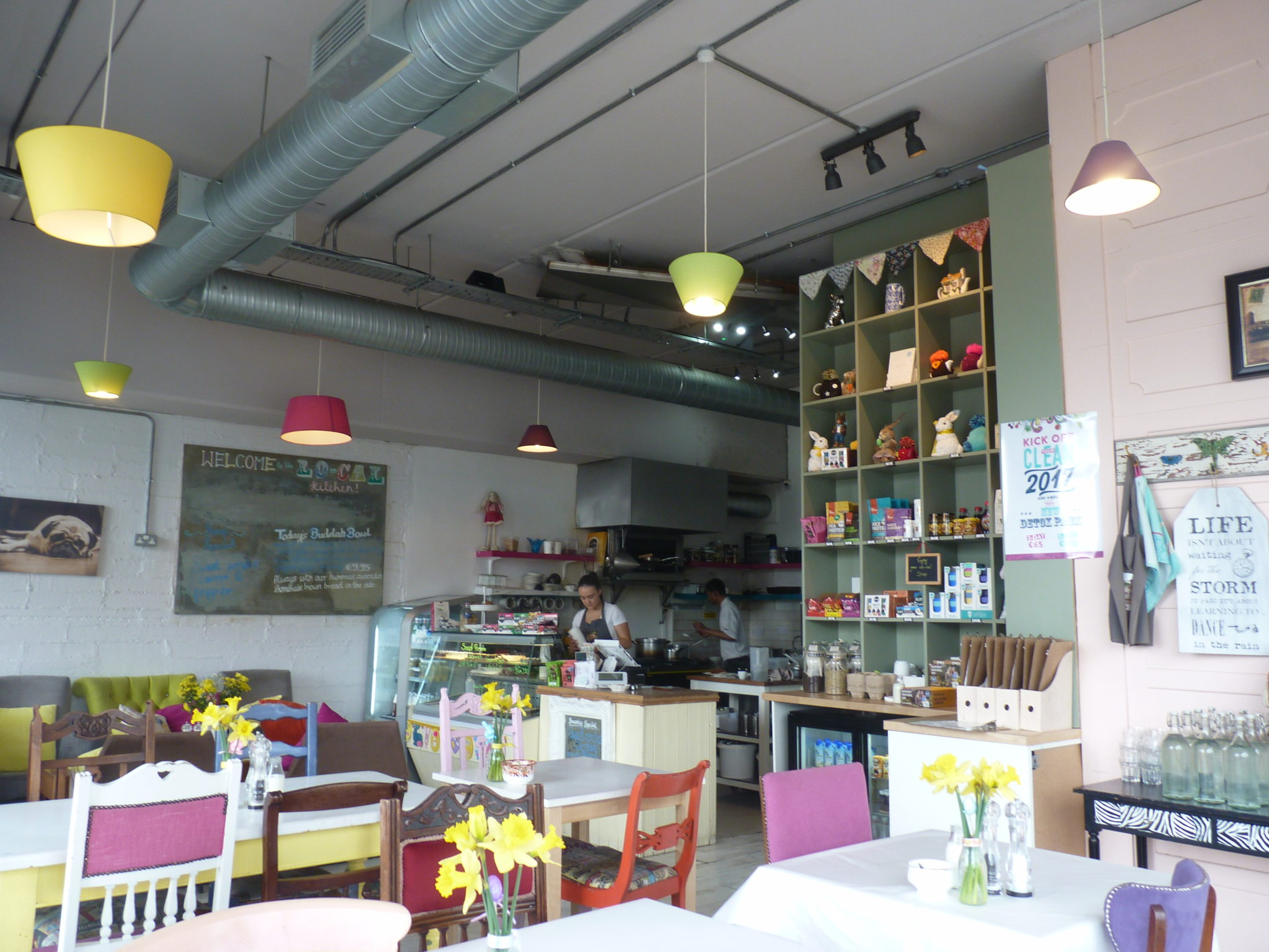 Lo Cal Kitchen Colourful Cafe For The Health Conscious