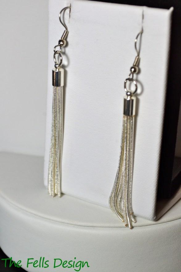 1920s flapper style earrings