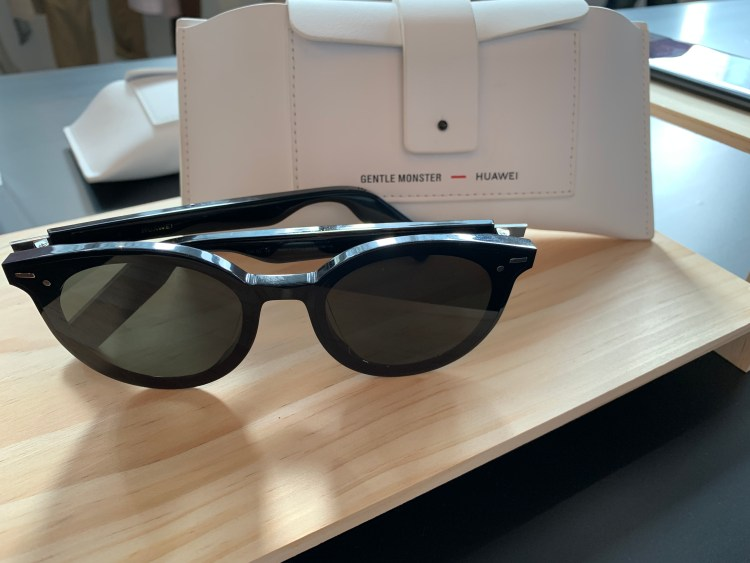 Gentle Monster and Huawei collaborates to deliver tech in eyewear.