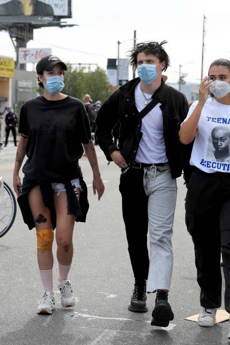 Halsey and Yungblud spotted at the Los Angeles protests in surgical masks