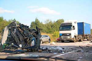 photo of a trucking accident involving injury