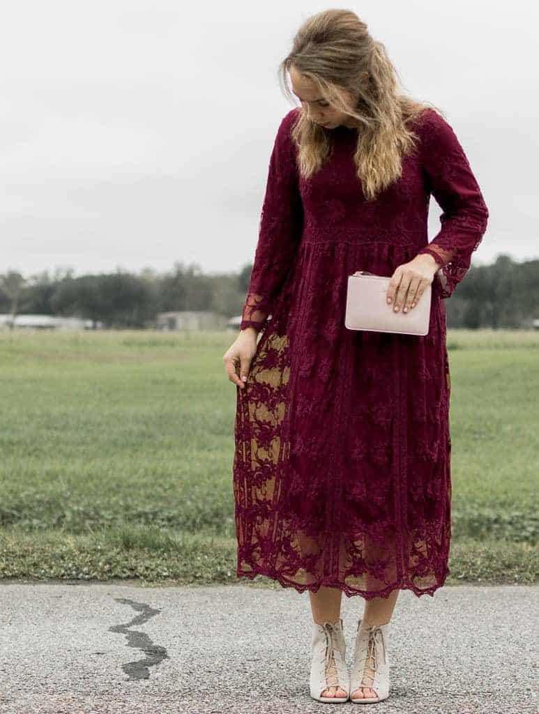10 Online Modest Clothing Boutiques that won't disappoint! - TEN of our favorite Online Modest Clothing Boutiques that we absolutely love, and you will too! We aren't done with The Fervent Mama, but the Lord works in mysterious ways and I wholeheartedly believe that Lily Field Threads- your new favorite online modest clothing boutique- is His will.