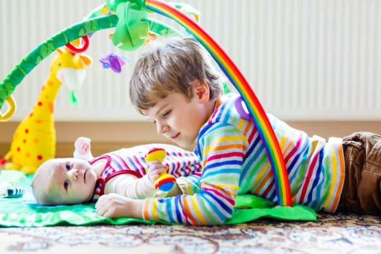 Strengthening Sibling Relationships With a New Baby