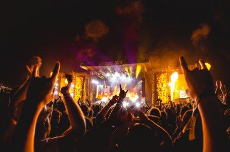 Download Festival crowd fire