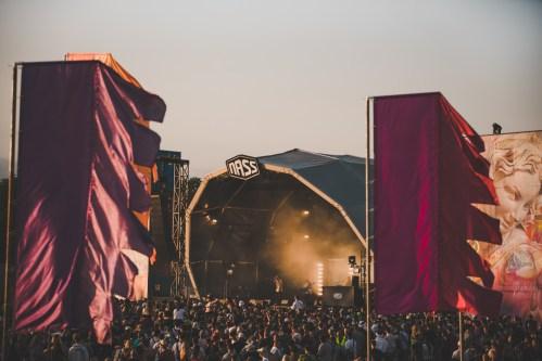 NASS Main stage crowd sunset 2019