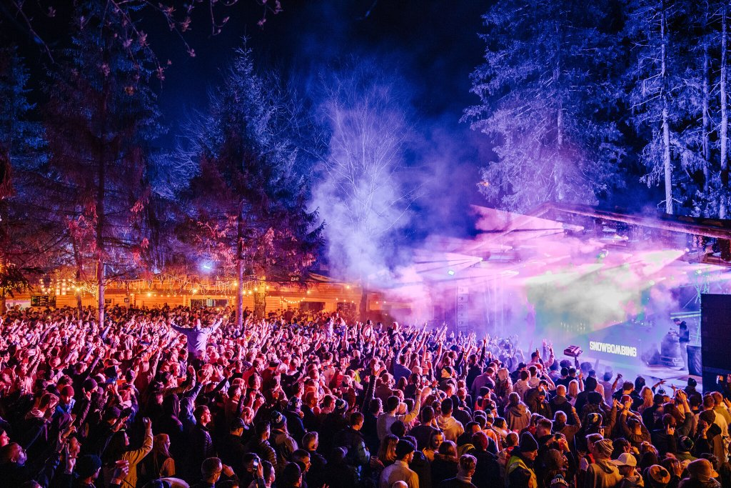 Snowbombing stage and crowd