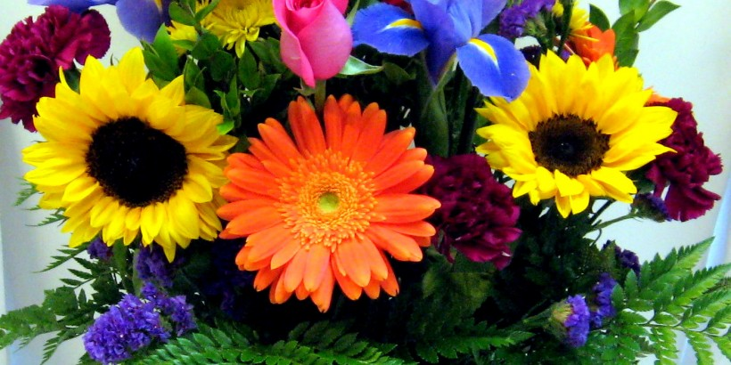 Happy-mothers-day-flowers-bouquet-4-820x410