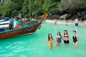 5 amazing Benefits Of Taking a Trip With Your Girlfriends 2