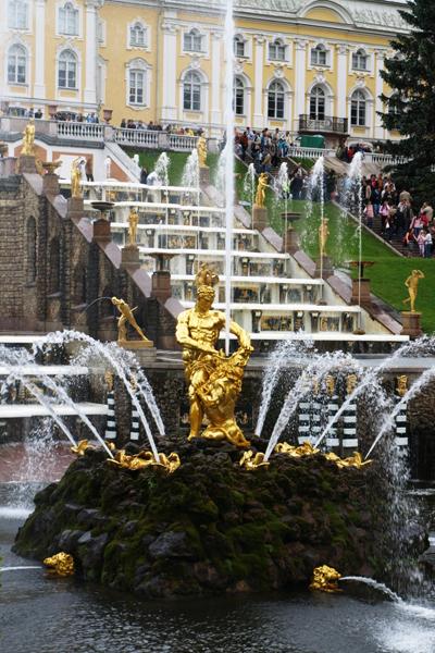 The Samson Fountain and Grand Cascade, Peterhof Palace, St. Petersburg, Russia image: Alexandra Hay