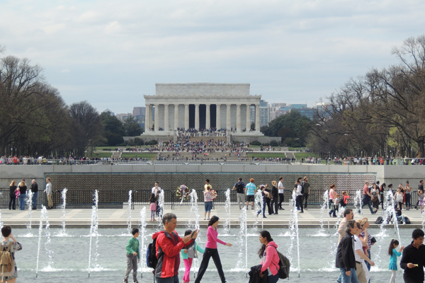 Millions of people visit the Lincoln Memorial every year and enjoy the fountains of the World War II Memorial. image: Jennifer Nitzky
