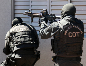 Brazil police Image Source: André Gustavo Stumpf, Flickr, Creative Commons