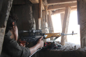 Kurdish YPG fighter with SVD. Image Source: free kurdistan, Flickr, Creative Commons