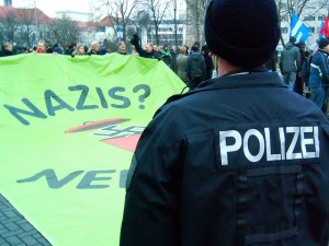 Image Source: Tim, Flickr, Creative Commons Nazi-Aufmarsch und Gegendemo 18