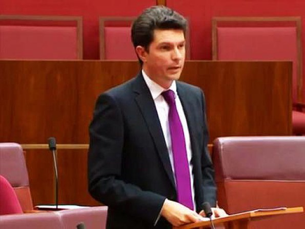 Scott Ludlam delivering his speech that soon went viral