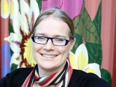 Dr Dominique Hes