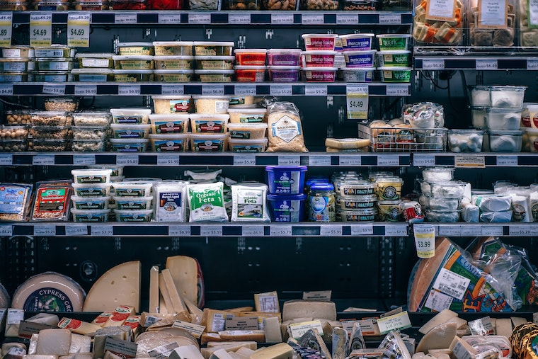 plastic food-packaging