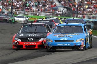 2011 WGI Aug NNS No 7 18 Race Action