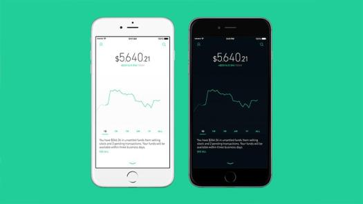 Robinhood mobile app changes colors when the stock market is open.